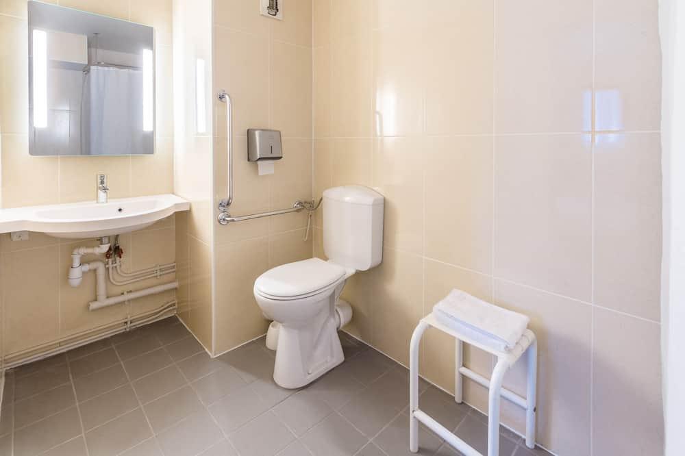 Tek Büyük Yataklı Oda, Engellilere Uygun - Banyo