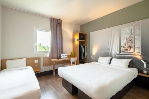 克雷伊尚蒂利民宿飯店/