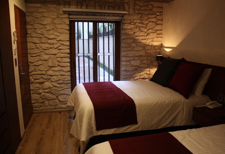 Hotel Madero, Querétaro, Habitación doble estándar, 2 camas matrimoniales, Habitación