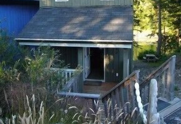Spring Cove Cabins, Ucluelet, Cabin, 2 Bedrooms (Kingfisher), Room
