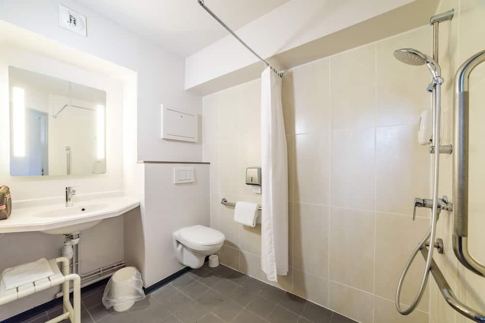 Двухместный номер с 1 двуспальной кроватью, для людей с ограниченными возможностями, для некурящих - Ванная комната