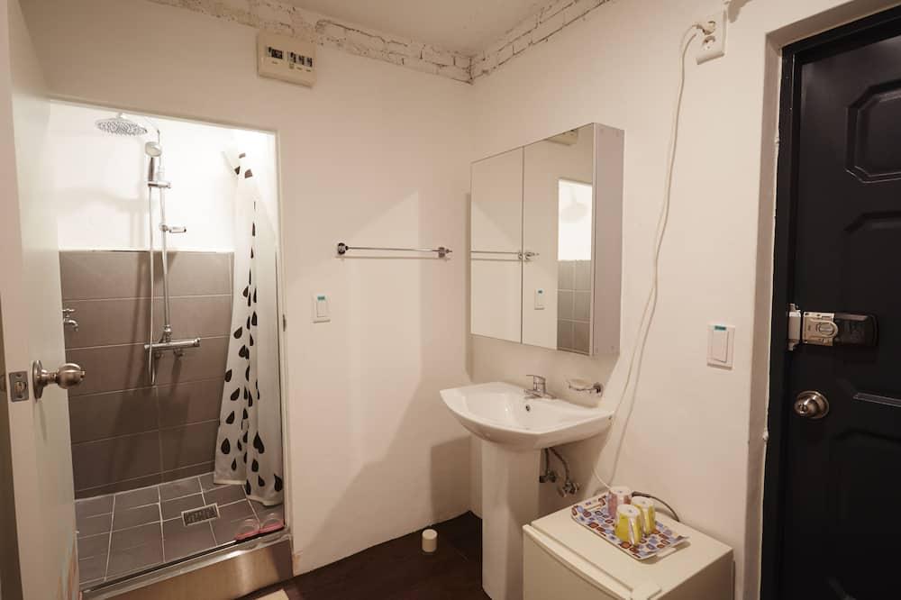 ห้องพักรวม (for 4 persons) - ห้องน้ำ