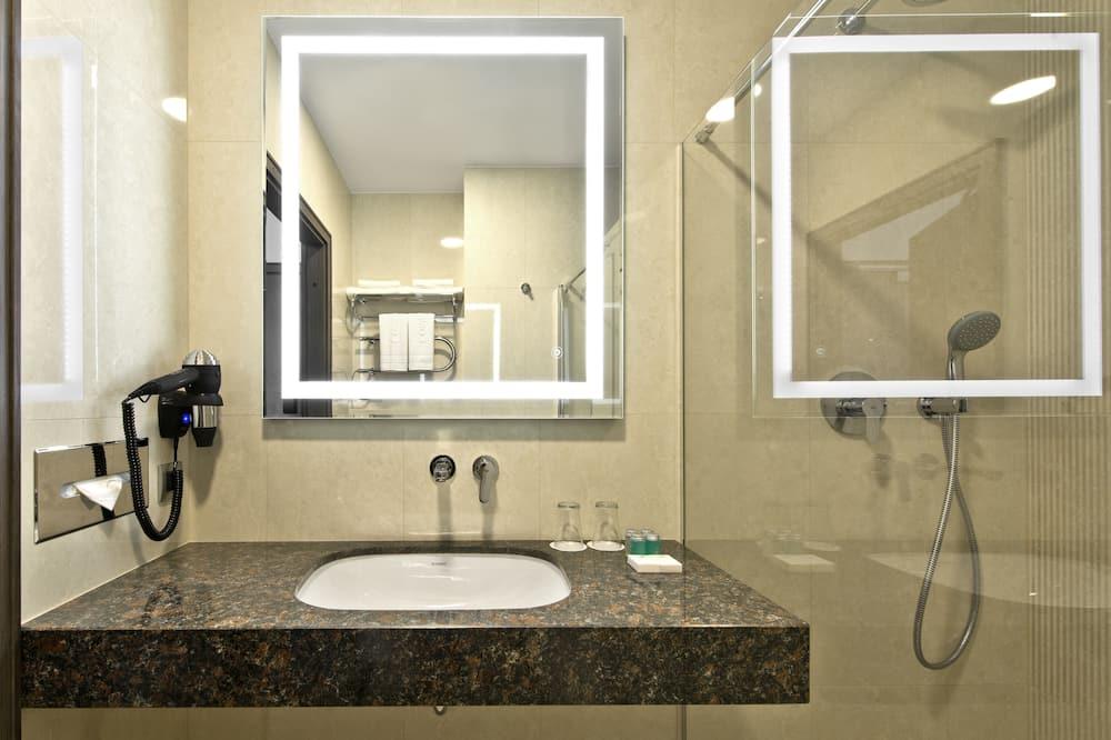 Kamar Double Standar untuk 1 Orang - Kamar mandi