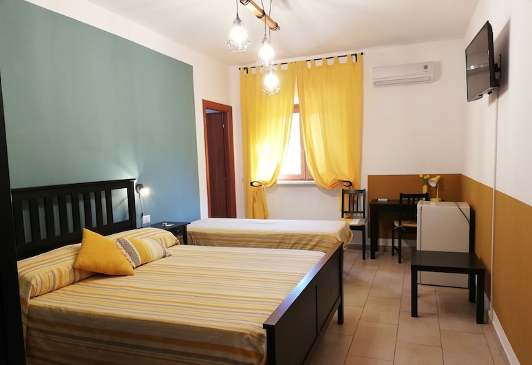 The Yellow House, Fiumicino, Standard-Doppelzimmer, Zimmer