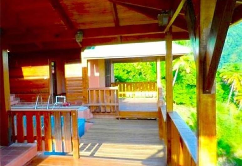 Piton Deck Villa, Soufriere, Utendørsbasseng