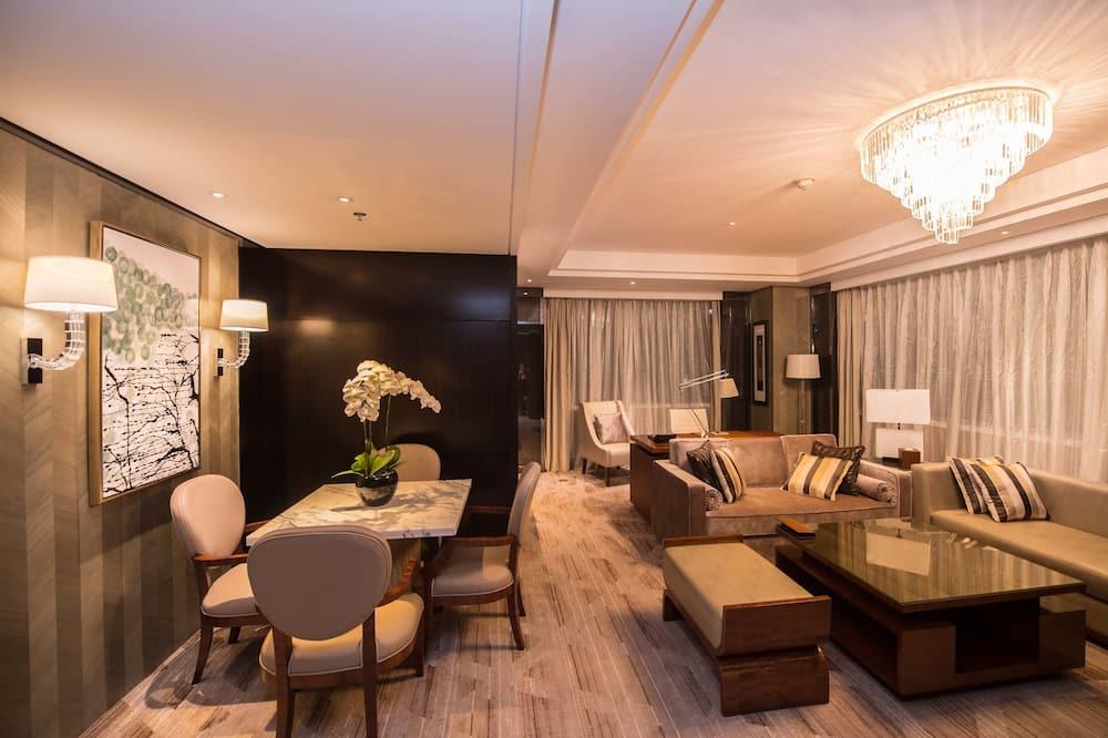 Executive Suite, 1 Bedroom - Living Area