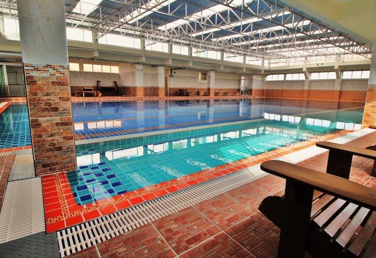 AC スポーツ ビレッジ, バンコク, 屋内プール