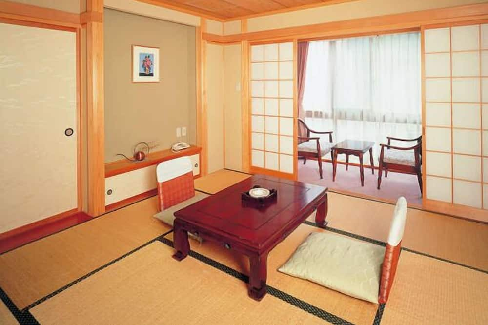 Traditional-Zimmer (Japanese Room, 8 Tatami ) - Wohnbereich
