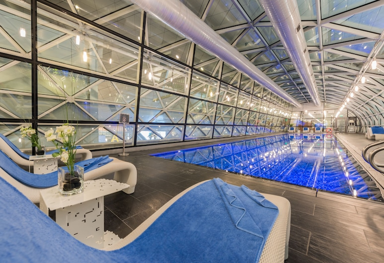 Oryx Airport Hotel, Doha, Kolam Tertutup