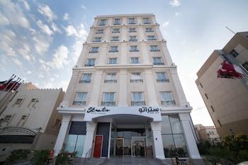Фото Strato Hotel by Warwick у місті Доха