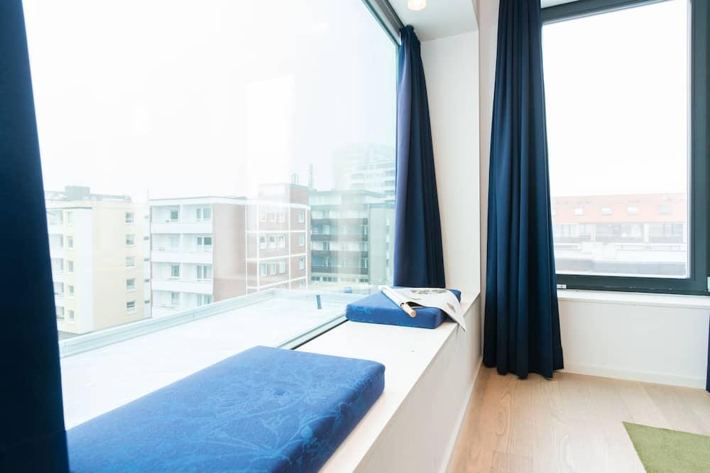 بنتهاوس - سرير ملكي - منظر من غرفة الضيوف