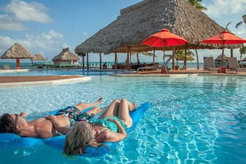 San Pedro bölgesindeki Costa Blu Beach Resort, Trademark Collection by Wyndham - Adults Only resmi