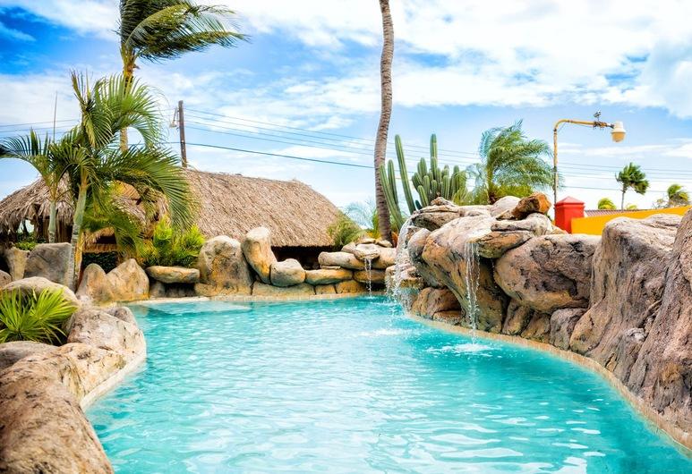 Sea Breeze Apartments, Savaneta, Alberca al aire libre