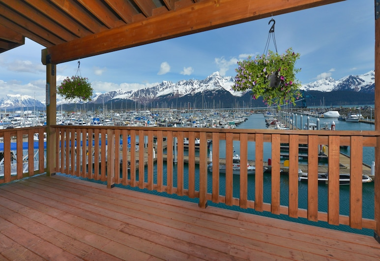 Safari Lodge (Fishing Lodge), Seward, Executive-Suite, 1 Schlafzimmer, Küche, Bergblick, Terrasse/Patio