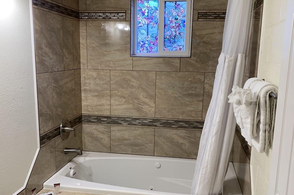 豪華客房, 1 張特大雙人床 - 私人 Spa 浴缸
