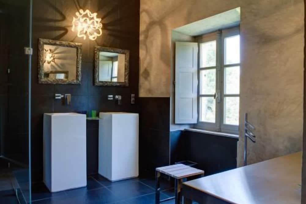 Suite (Papillon Rouge) - Badezimmer