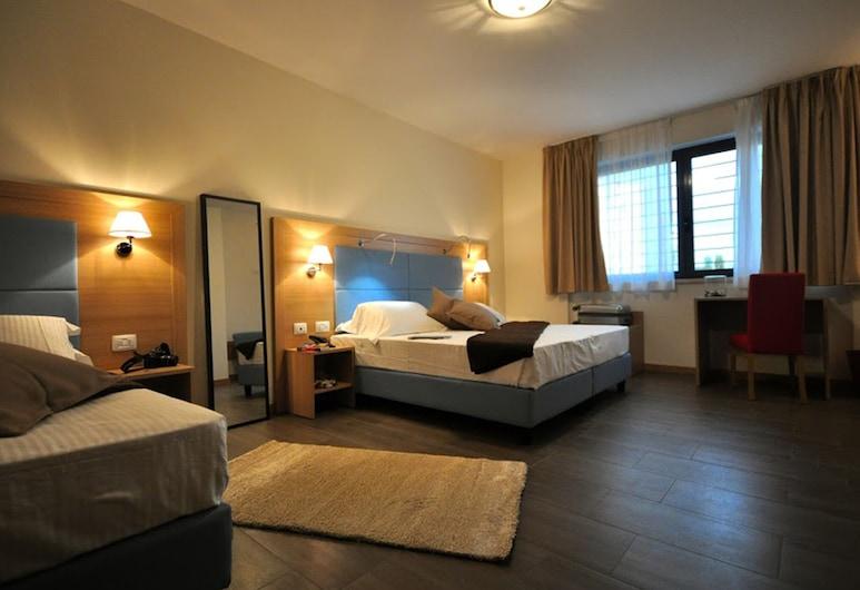Hotel 325 Tor Vergata, Rome, Háromágyas szoba, Vendégszoba