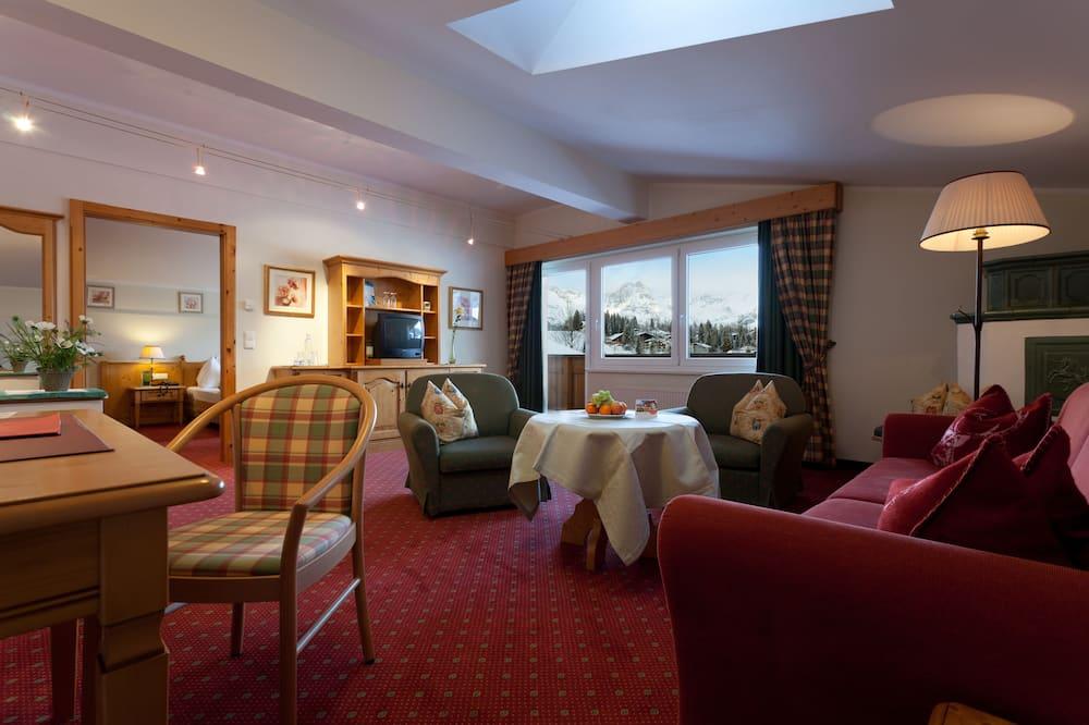 Suite, Balkon, Bergblick - Wohnbereich