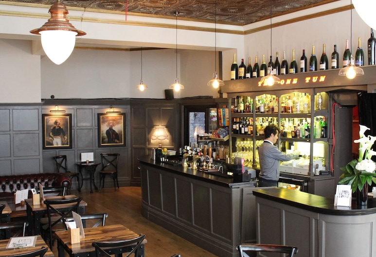 The One Tun Pub and Rooms, London, Hotellbar