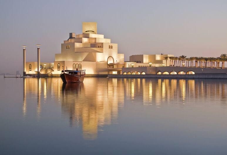 Saraya Corniche Hotel, Doha, Pemandangan dari Hotel