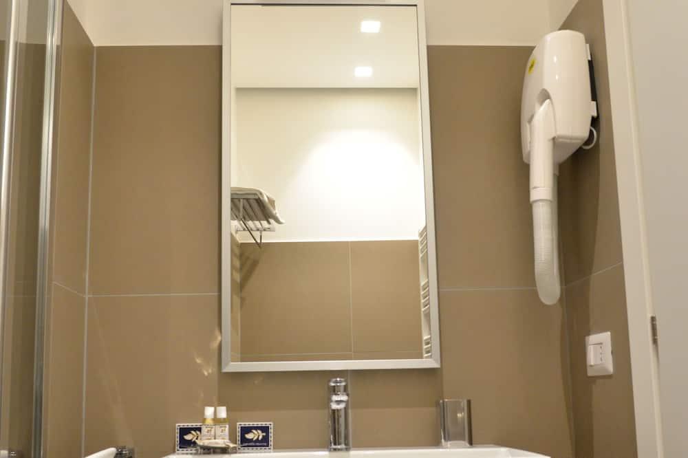 Двухместный номер с 1 двуспальной кроватью (Grey Rose) - Ванная комната