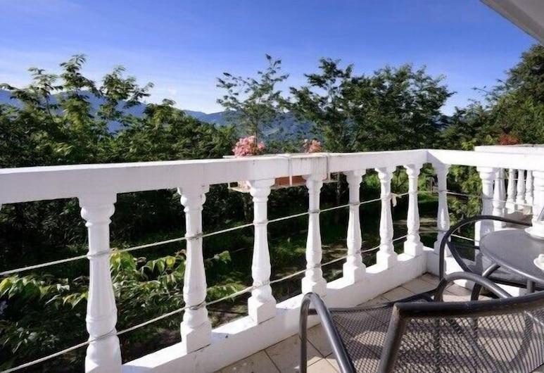 Cingjing Guest House, Ren'ai, Balkon