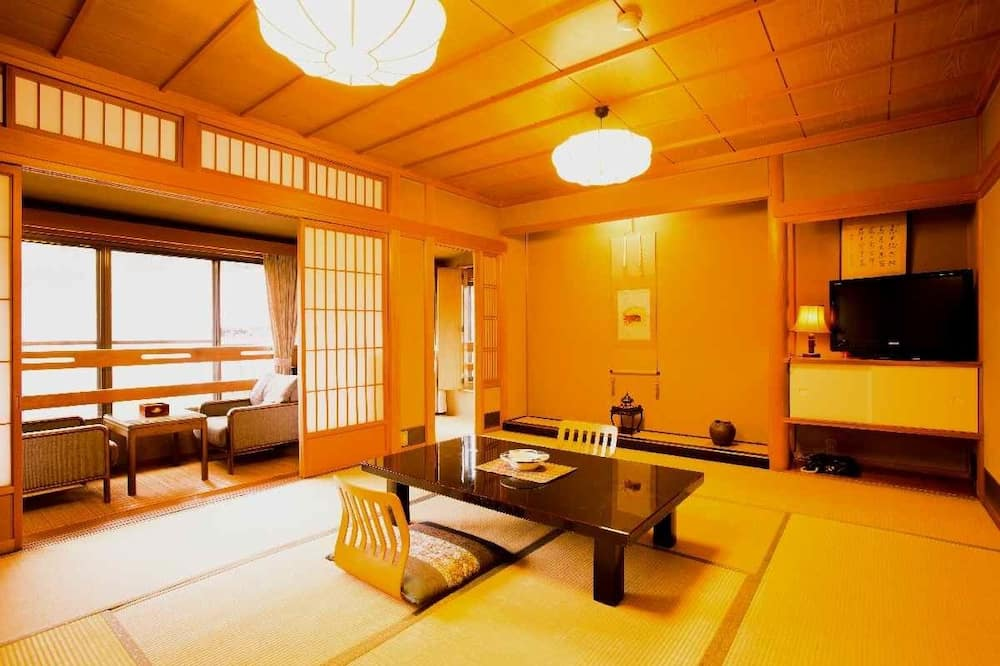 Traditional Room, Non Smoking - Living Area