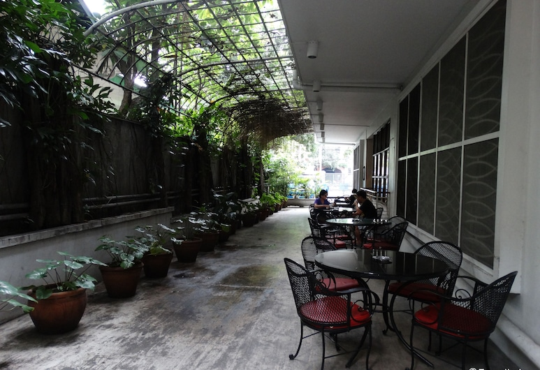 Pension Natividad, Manila, Outdoor Dining