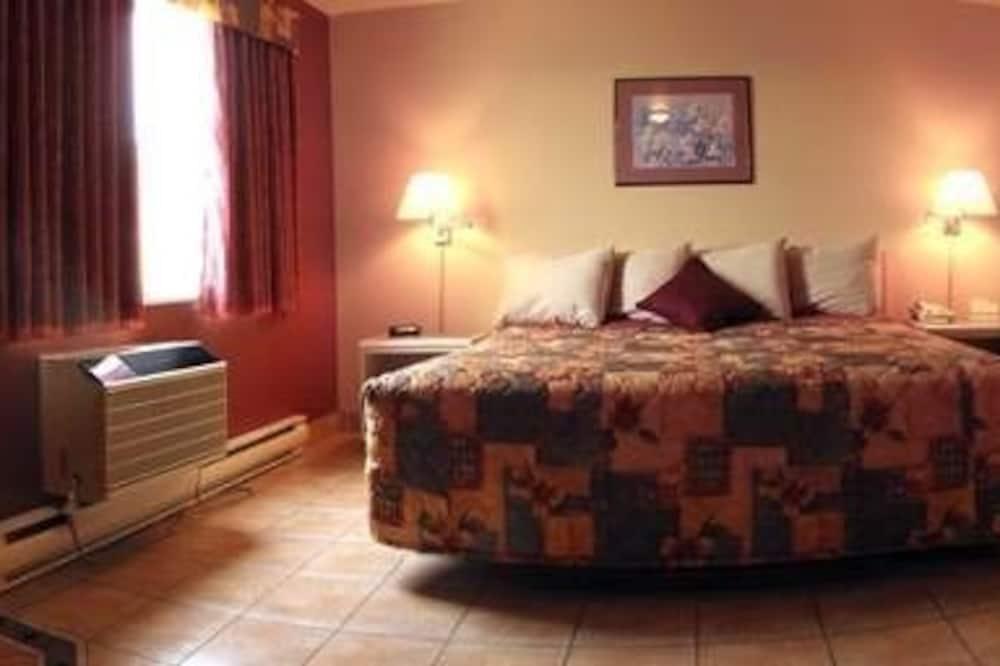 Deluxe szoba, 1 king (extra méretű) franciaágy, hidromasszázskád - Vendégszoba