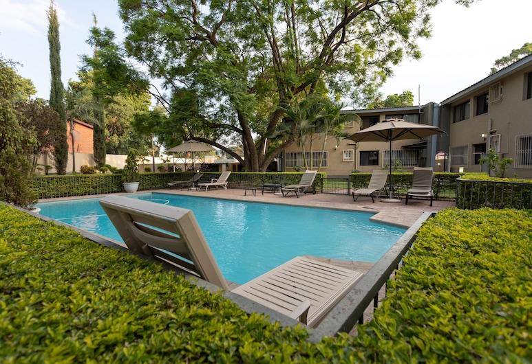 Fallsway Apartments Louden Court, Lusaka, Outdoor Pool