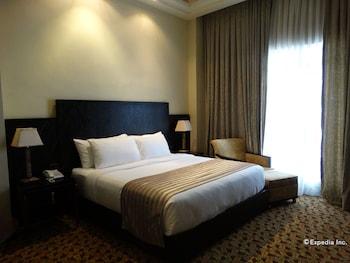 Picture of Luneta Hotel in Manila