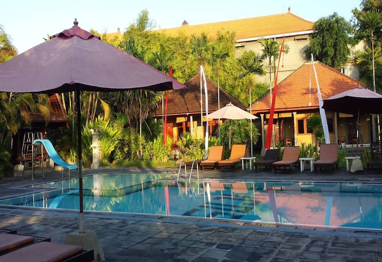Suji Bungalow, Kuta, Pool