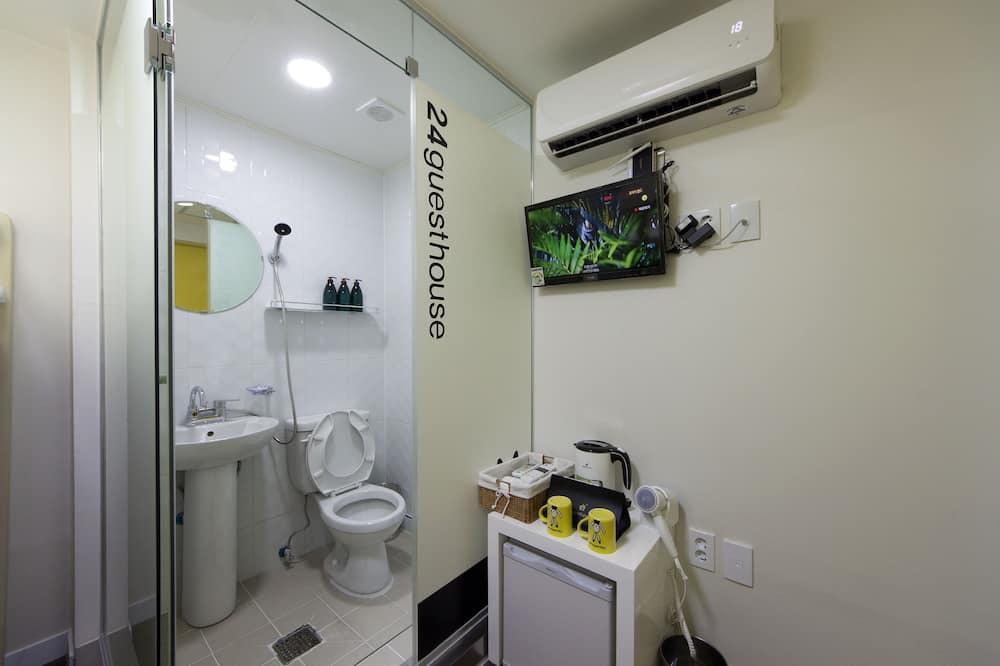 Bunk Twin Room - Bathroom