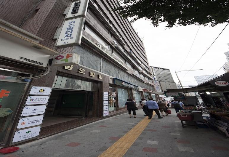 明洞 24 旅館, 首爾, 酒店入口