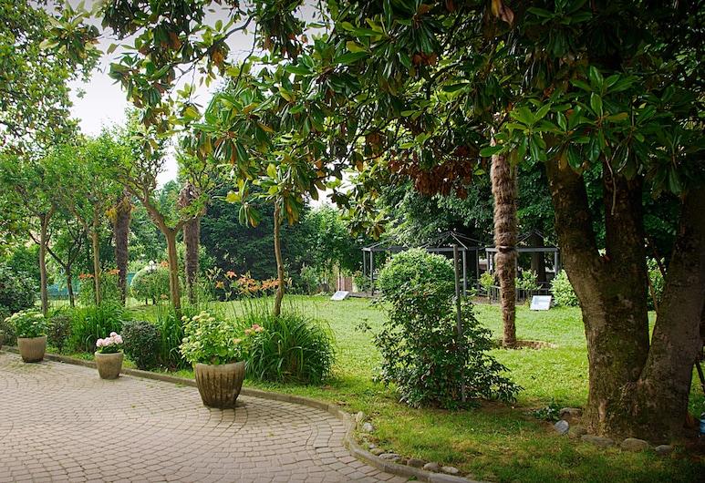 Hotel Damian, Trofarello, Jardín