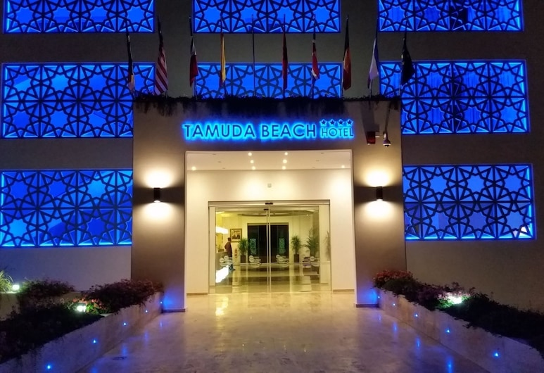 Hôtel Tamuda Beach, Allyene, Fachada del hotel de noche