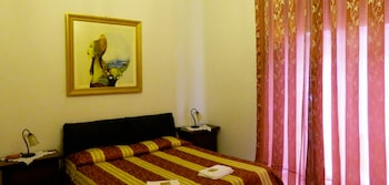 Picture of Crispi Rooms in Catania