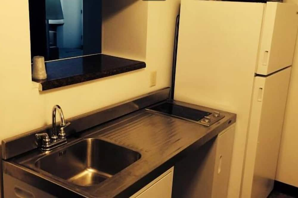 Standard Suite, Multiple Beds - In-Room Kitchenette