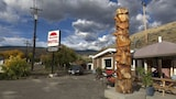 Choose this Motel in Cache Creek - Online Room Reservations