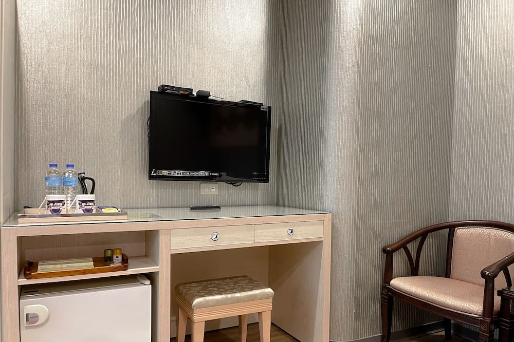 Standard Double Room, 1 Bedroom, No Windows (SB) - Living Area