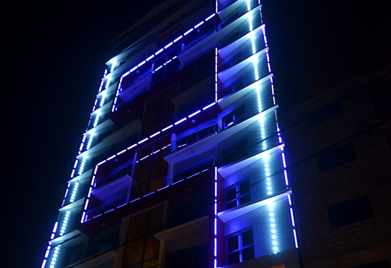芙蓉德里斯高原酒店, 達卡, 泳池