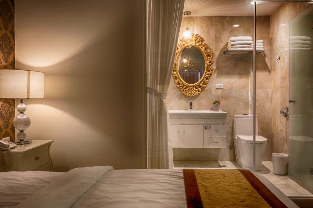 Deluxe Quadruple Room (Family room) - Bathroom