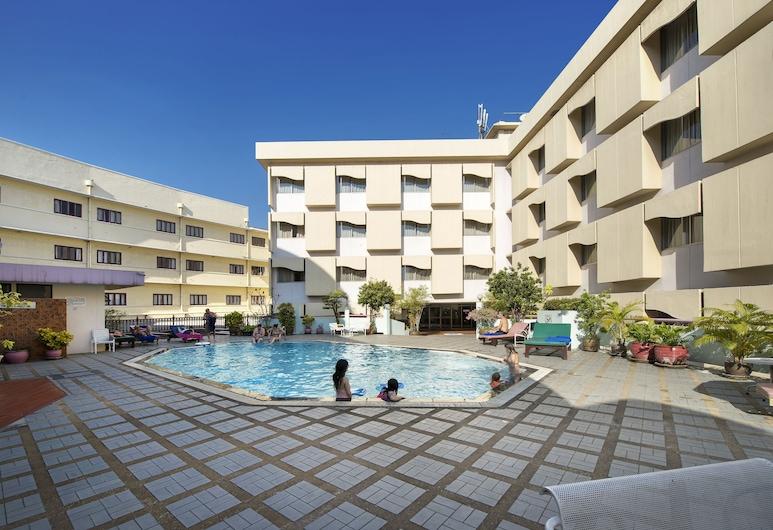 ロイヤル ラタナコーシン ホテル, バンコク, 屋外プール