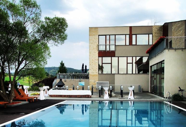 Hotel Beroun Golf Club, Beroun, Piscina al aire libre