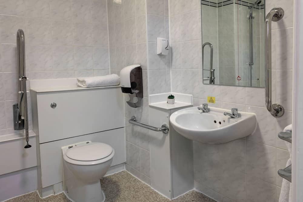 Standaard kamer, 1 tweepersoonsbed, Toegankelijk voor mindervaliden, Bad - Badkamer