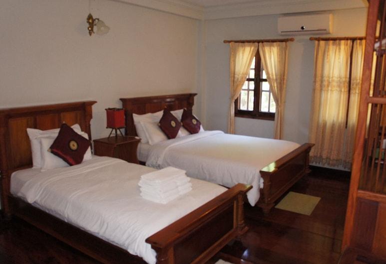 Phounsab Guesthouse, Luang Prabang, Standard-Dreibettzimmer, Zimmer