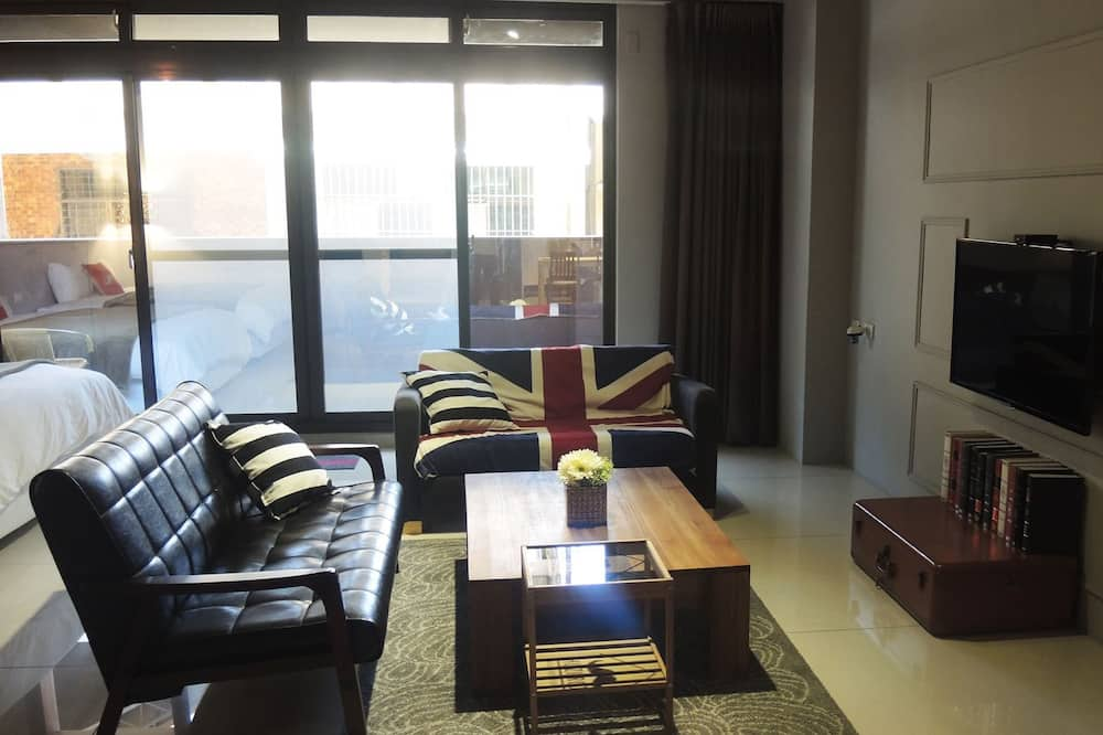 Quadruple Room (Fantastic) - Living Area