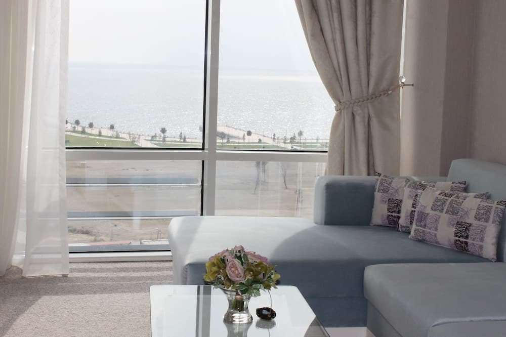 Junior Suite, 1 King Bed, Sea View - Guest Room