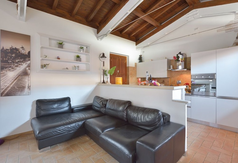 Rome Holidays Resort, Rome, Deluxe House, 1 Bedroom, Living Area
