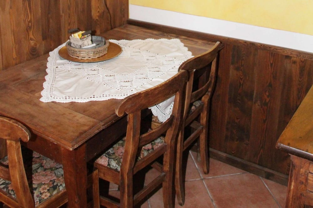 Студия, мини-кухня - Зона гостиной